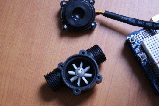 Sensor de Flujo YF-S201 internamente