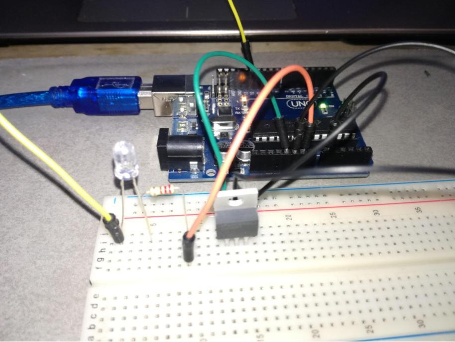 Arduino LM35 conexion en proto y su vista superior