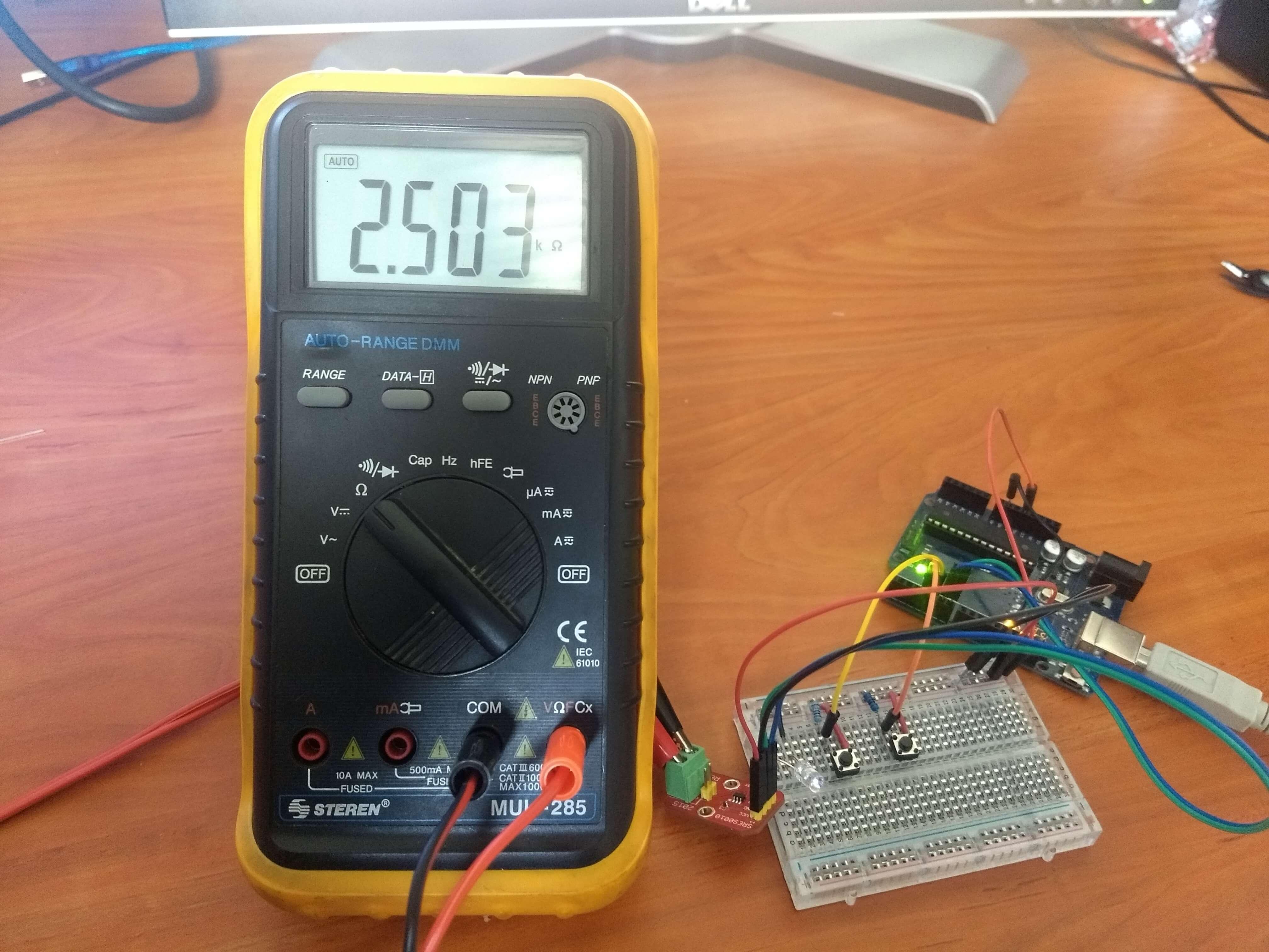 Prueba MCP4022 Arduino
