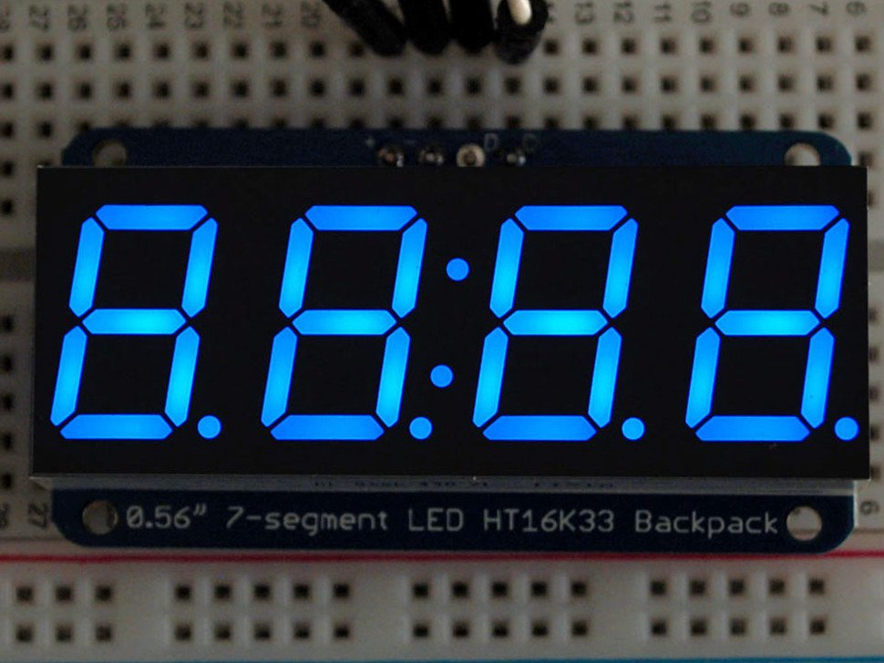 Adafruit display azul de 7 segmentos 4 dígitos con interfaz I2C