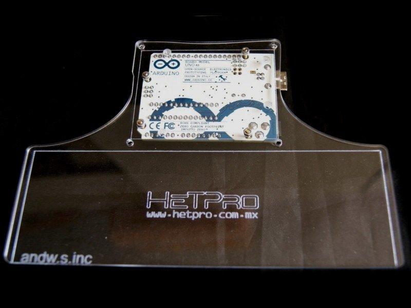 Vista posterior. Base de acrilico para Arduino