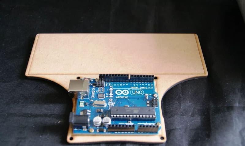 Vista superior. Base de MDF para Arduino