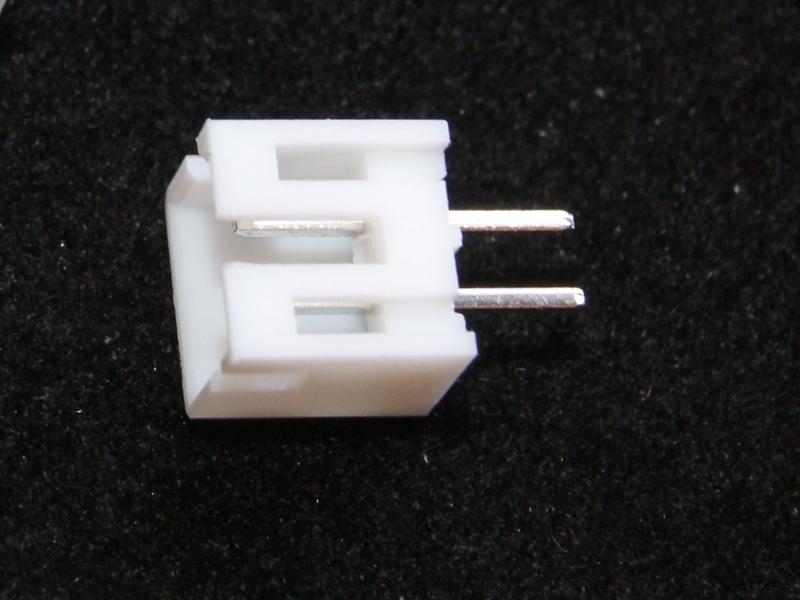 Vista frontal. Conector JST macho 2CON