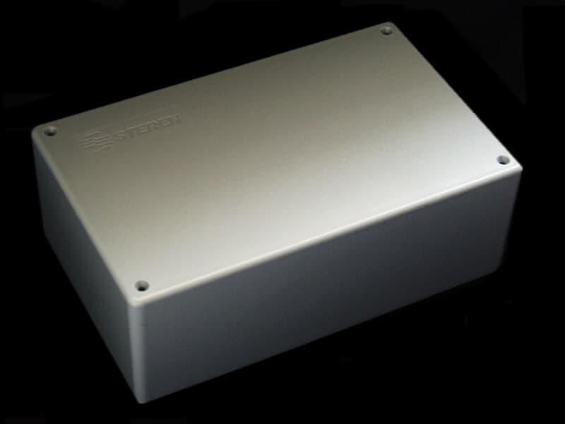 Gabinete de plástico con tapa 180mm X 115mm X 65mm