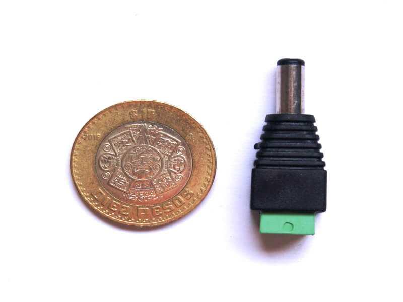 Adaptador 2.1mm macho a dos terminales, tamaño