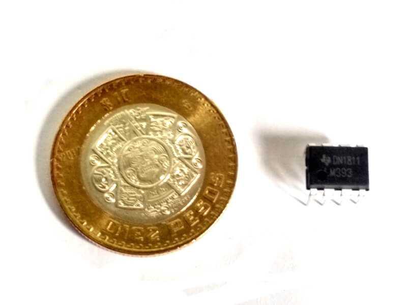 LM393 comparador de voltaje de precisión.