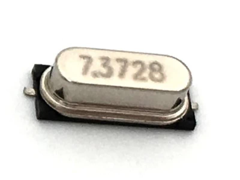 Cristal de cuarzo 7.3728Mhz HC-49S SMD