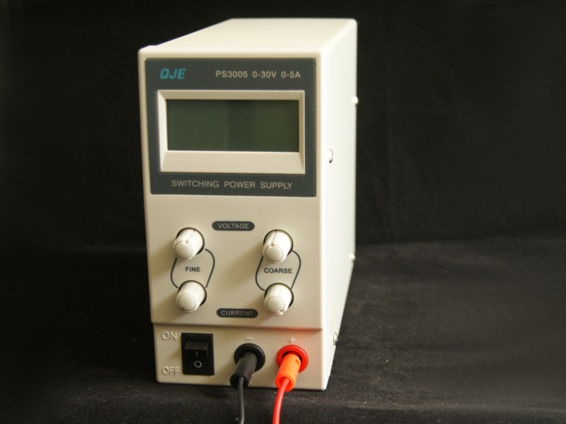 Fuente-de variable regulable de 0-30V-5A PS3005